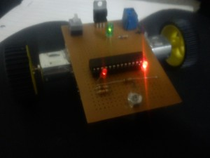 IMG 20150303 183017 300x225 ساده ترین ربات مسیریاب دو سنسوره